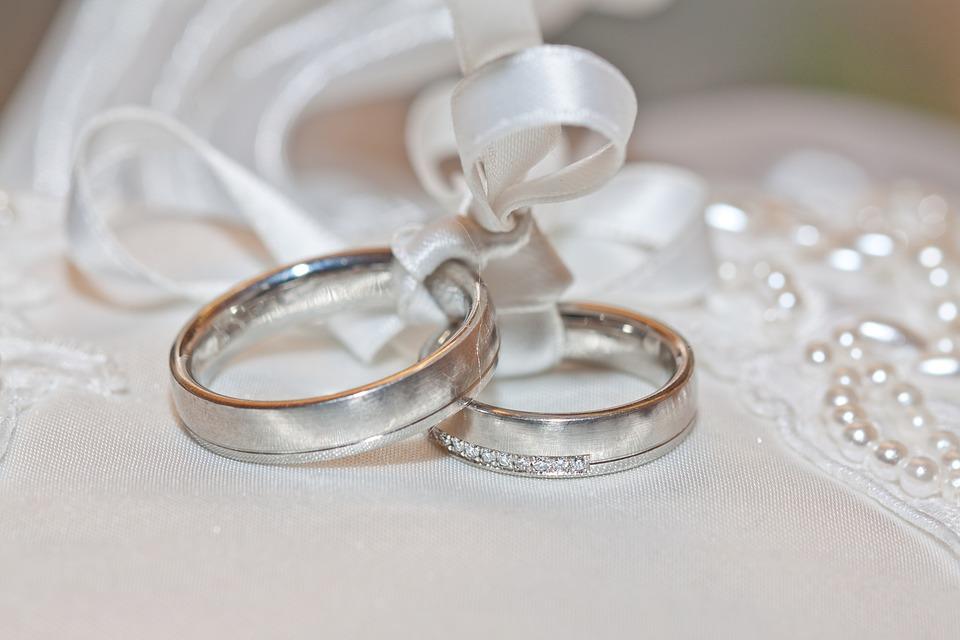 wedding-2544405_960_720